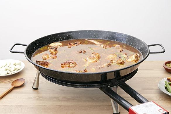 proporción de caldo en la paella tradicional